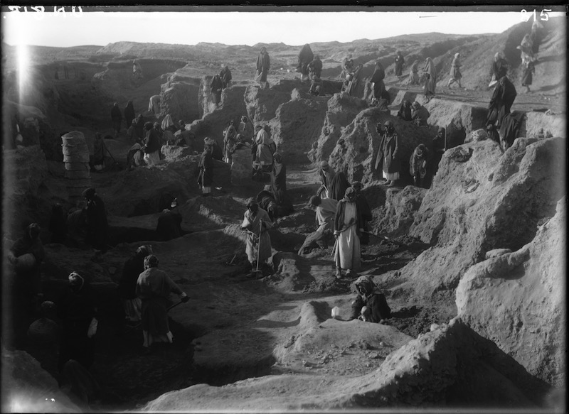 Field photograph from Woolley's excavations